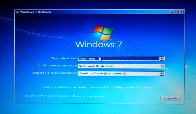 Medion AKOYA P7818_windows_01
