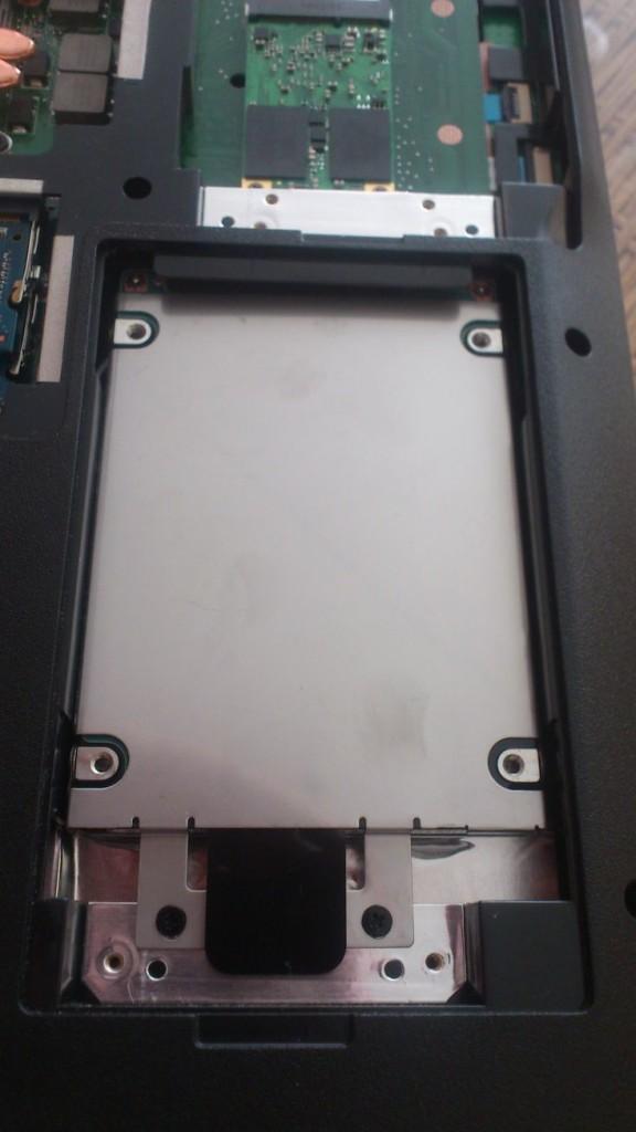Medion Akoya P7818_hardware_03