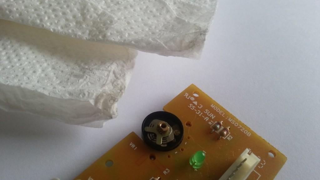 Creative Inspire T7900 - Afstandsbediening demontage 06