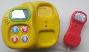 PlayGo piano-telefoon bovenkant telefoon hoorn eraf